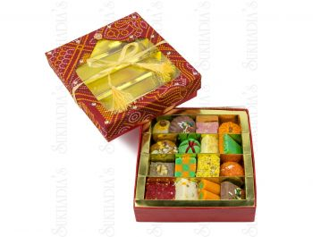 Bandhani Square Large with Sweets