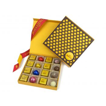 Wooden Checker, Assorted 16pc