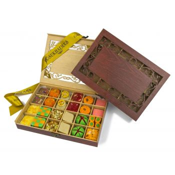 Wooden Royal, Sweets 24pc