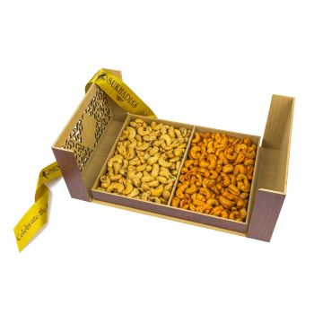 Wooden Treasure Chest, Combo Cashews